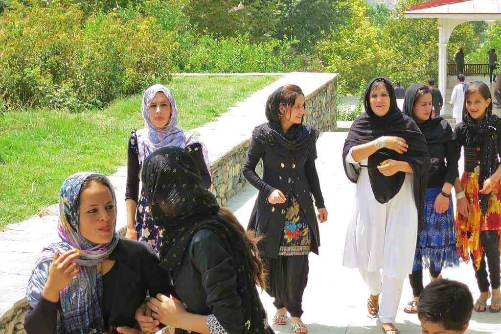 1024px-Afghan_women_in_Kabul