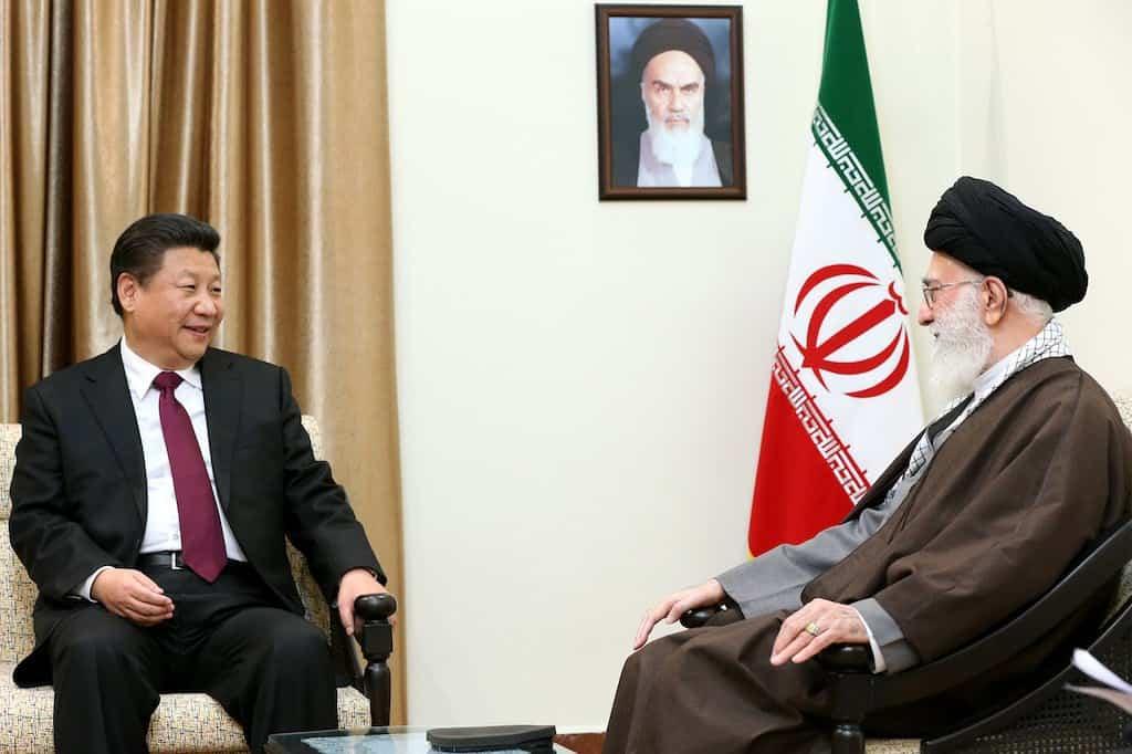 1024px-Ali_Khamenei_receives_Xi_Jinping_in_his_house_(7)