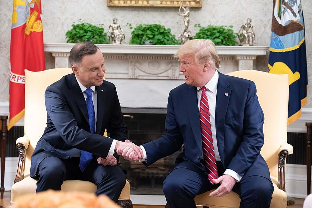1024px-President_Trump_Meets_with_President_Duda_of_Poland_(48052051462)
