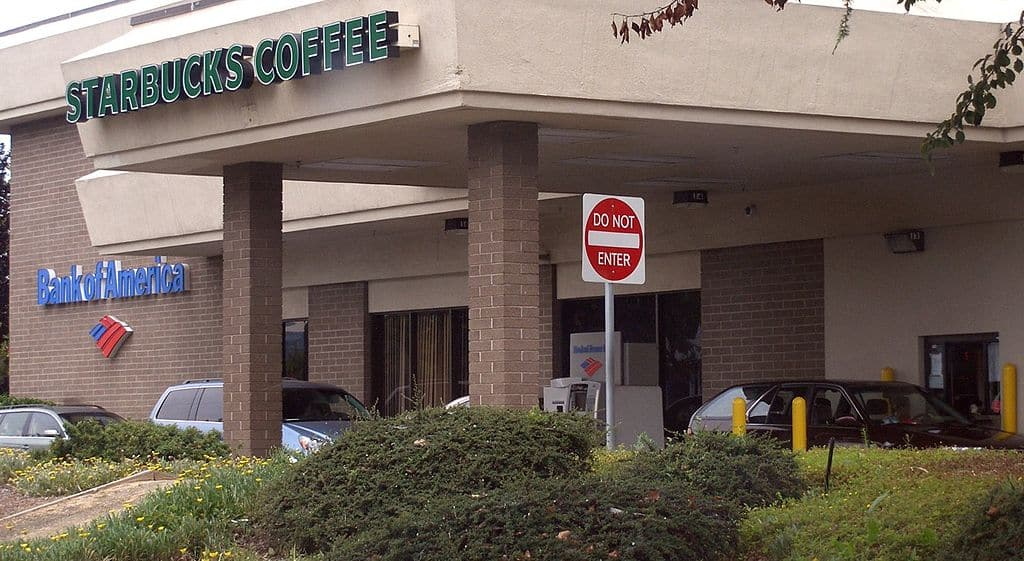 1024px-Starbucks_and_Bank_of_America_Drive_Through