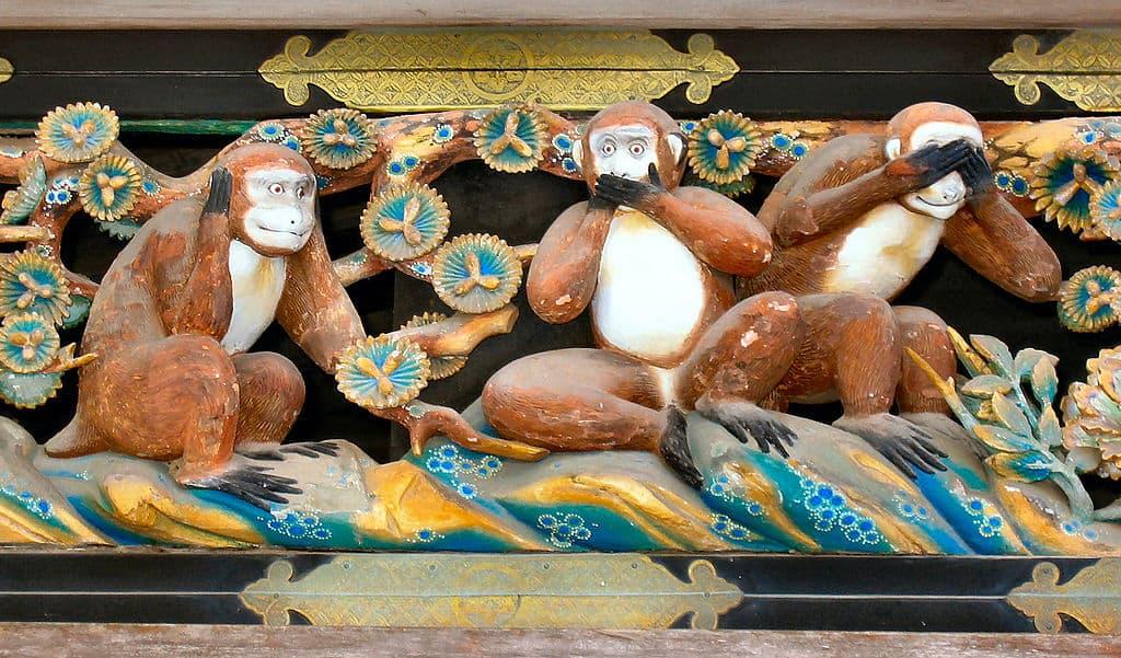 1024px-Three_Wise_Monkeys,Tosho-gu_Shrine