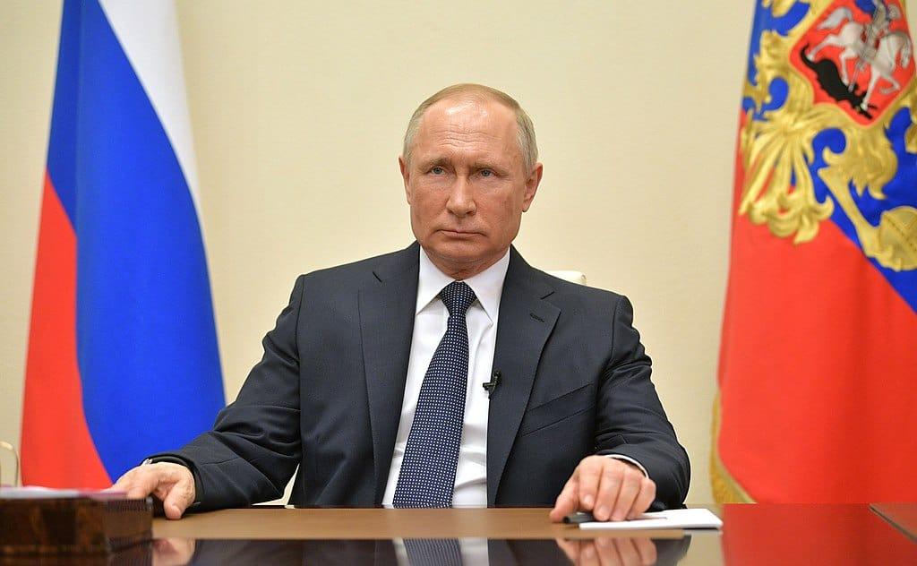 1024px-Vladimir_Putin_address_to_citizens_2020-04-02