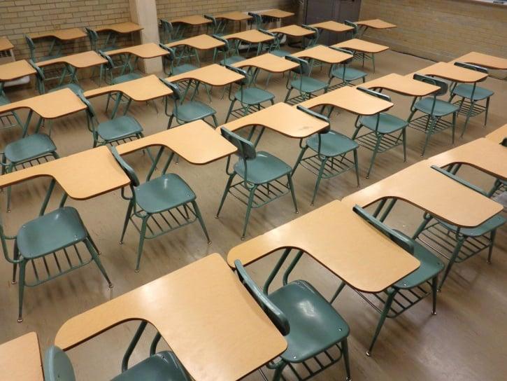 school, classroom, with, empty, desks