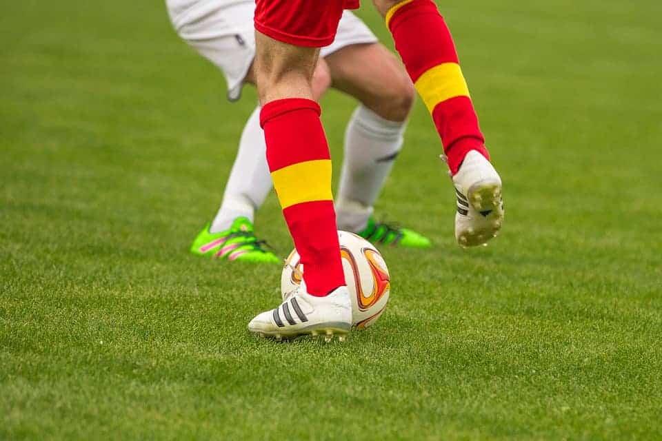 Football-Opponents-Ball-Footballers-Duel-Fielder-1350775