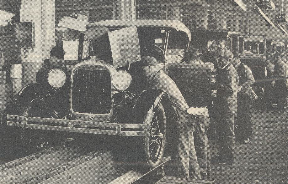Ford_Motor_Company_assembly_line