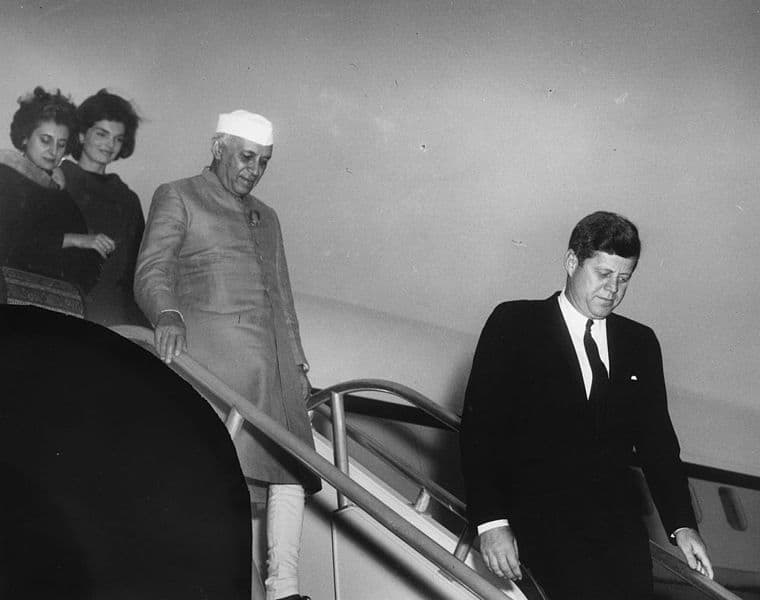 President_John_F._Kennedy_Attends_Arrival_Ceremonies_for_Jawaharlal_Nehru_Prime_Minister_of_India