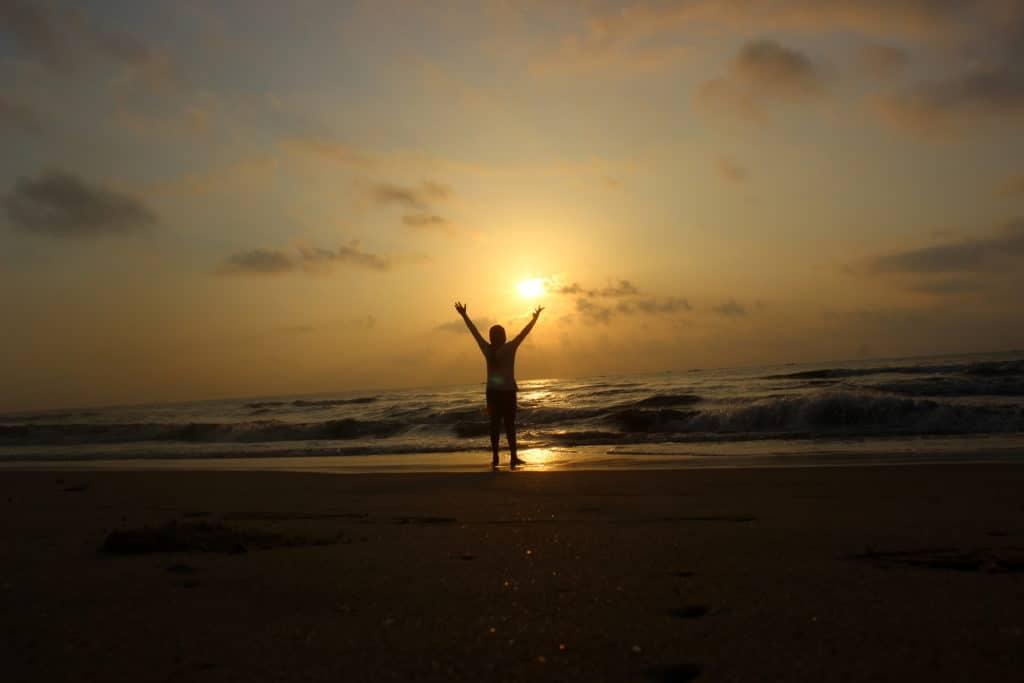 Man,_Sun_and_Ocean