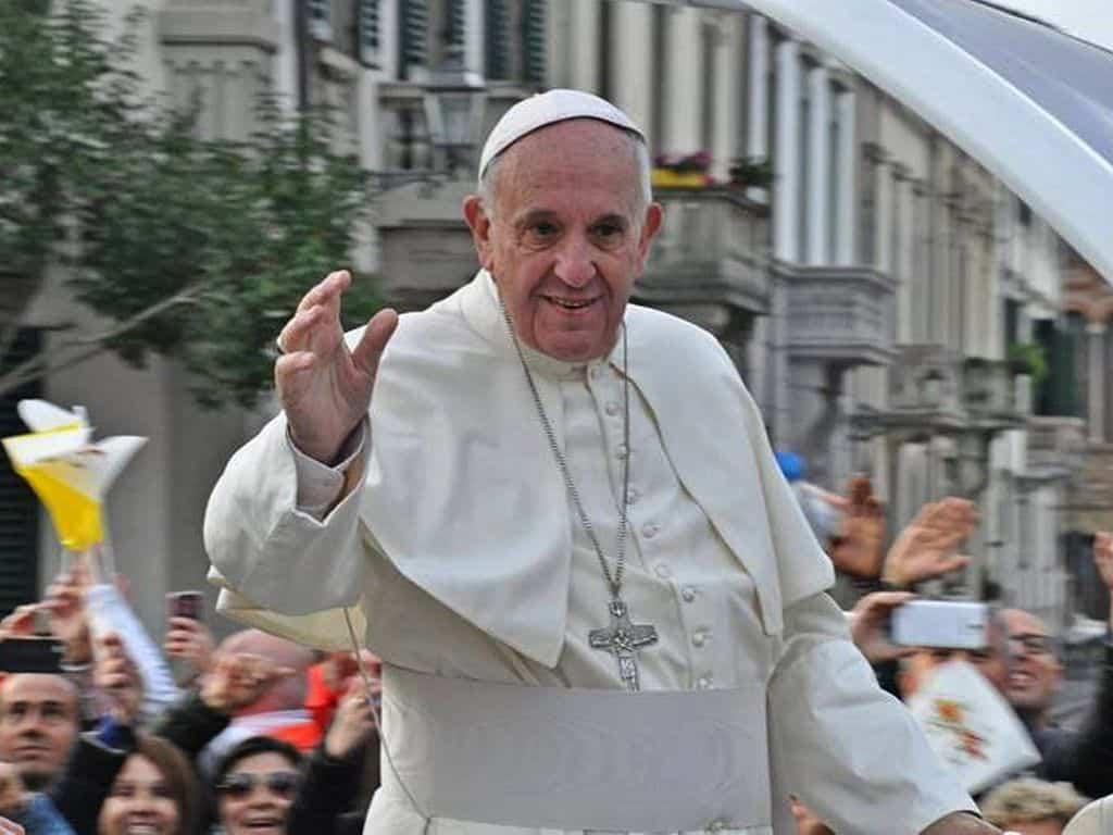Pope_Francis_in_Prato_(87)
