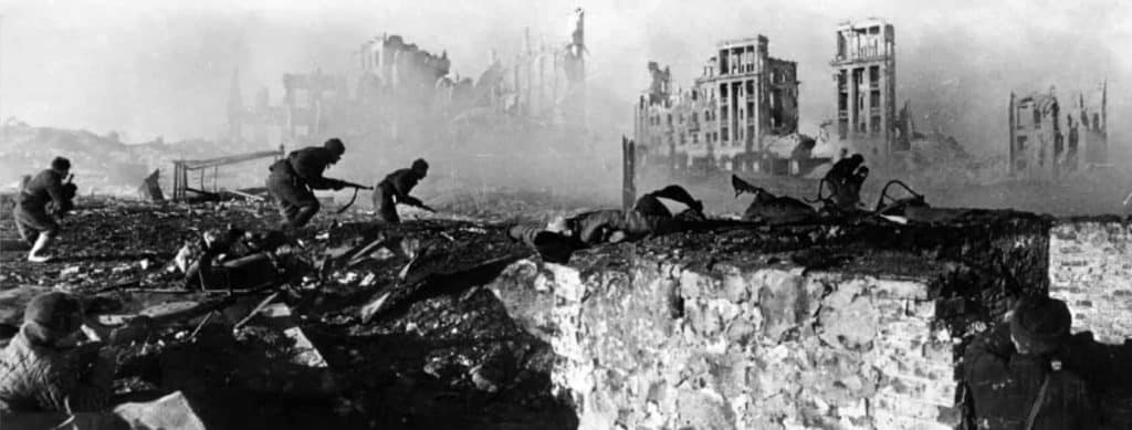 article_topimage_Battle-of-Stalingrad-soldiers-Soviet-offensive-troops-German-Battle-of-February-1943-2 (1)