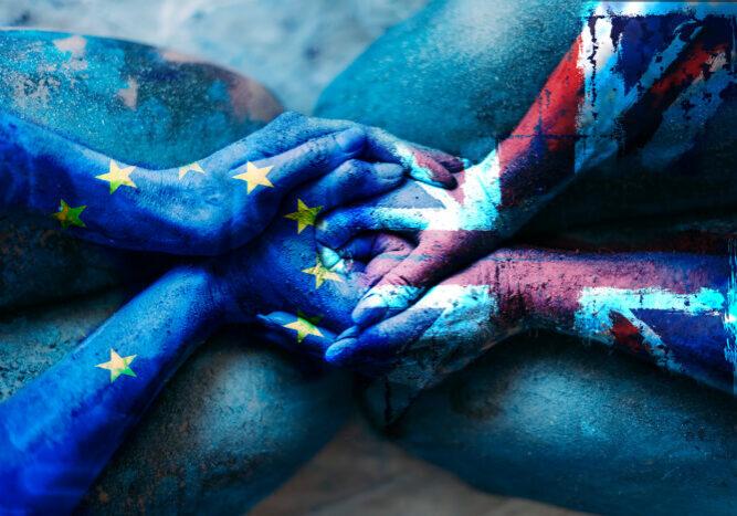 EU-UK hands