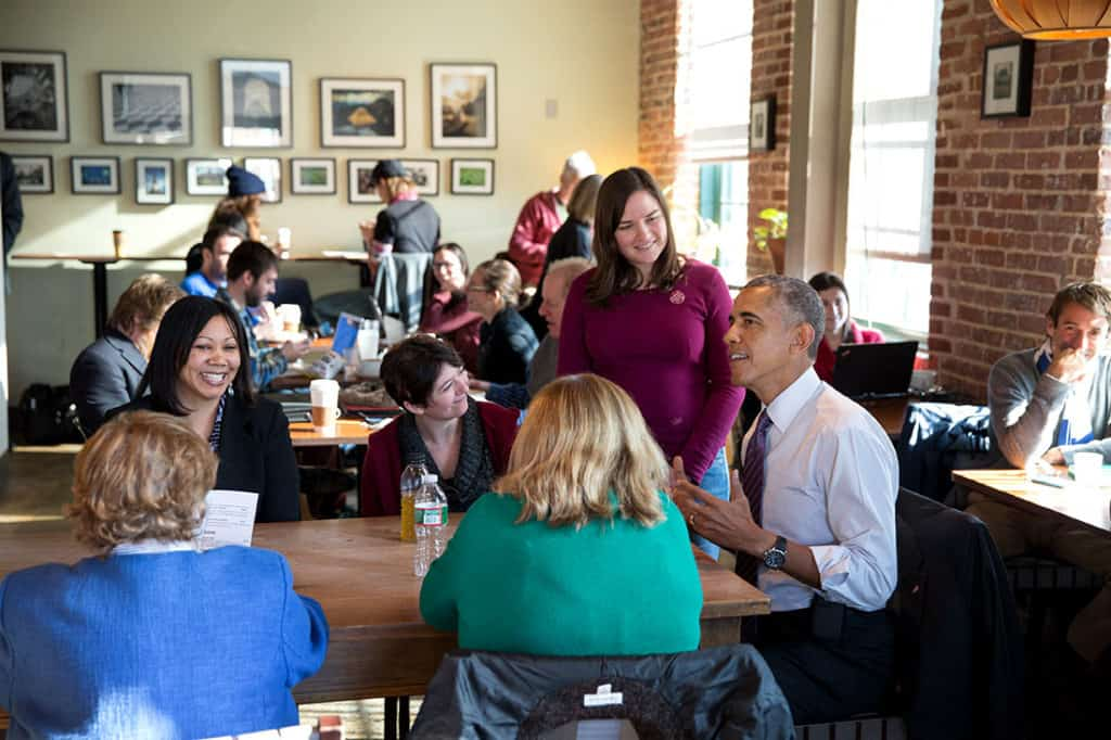 "President Barack Obama and Sen. Barbara Mikulski, D-Md. have lunch with Amanda Rothschild, Mary Stein and Morvika ""Vika"" Jordan to discuss balancing family and jobs, at Charmington's Café in North Baltimore, Maryland, Jan. 15, 2015. (Official White House Photo by Pete Souza)"